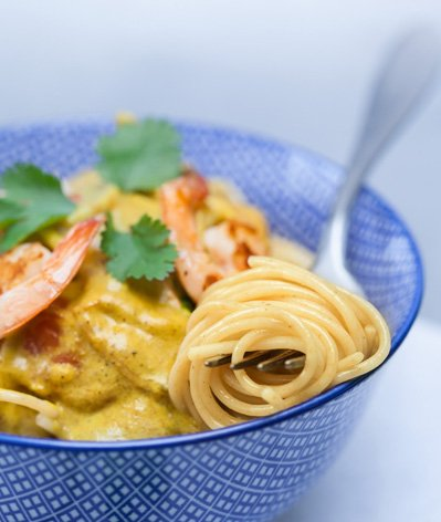 Spaghetti aux crevettes et curry