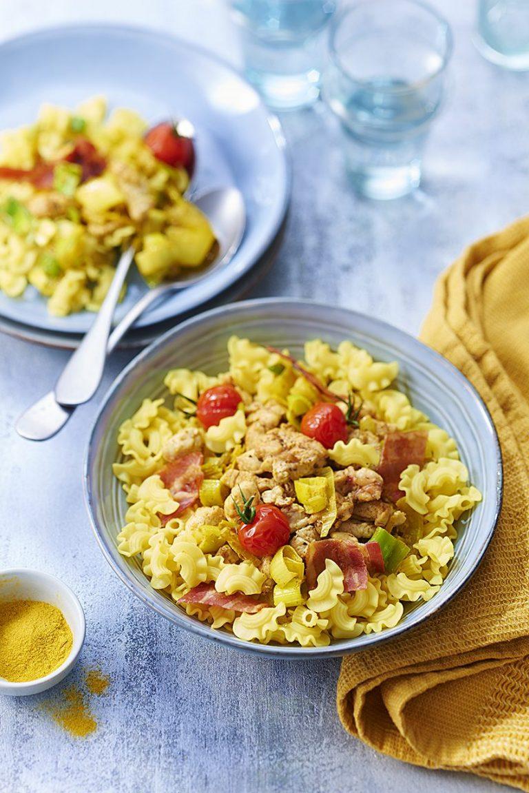 Curry de Coquillettes royales au poulet, poireaux et lait de coco